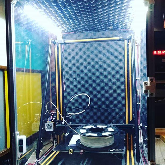 Le nouveau caisson pour ma #cr10s prends forme ! #3dprint